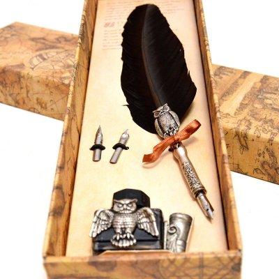 Set de scris cu pana cu decoratiune si calimara