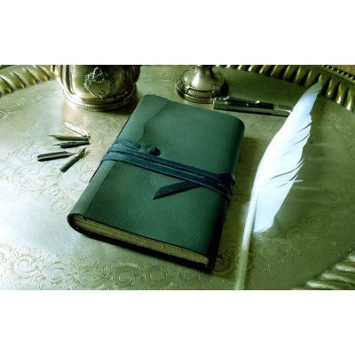 Jurnal medieval din piele verde albastrui usor sidefat