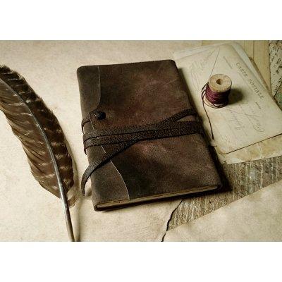 Jurnal medieval din piele maro antichizata
