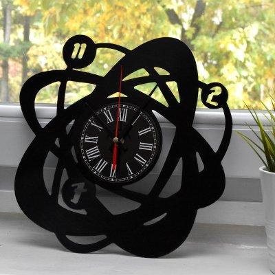 Ceas pe disc de vinil model atom