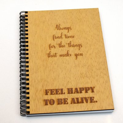 Notebook coperta lemn, cu mesaje