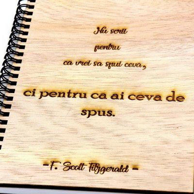 agenda-lemn-gravat