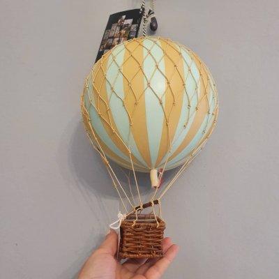 "Decoratiune balon zburator ""Travels light"""