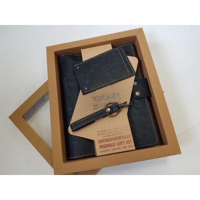 Set cadou cu notes 18x24 cm, breloc si suport carduri