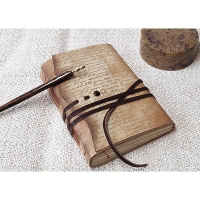 Jurnal medieval din piele, scris caligrafic