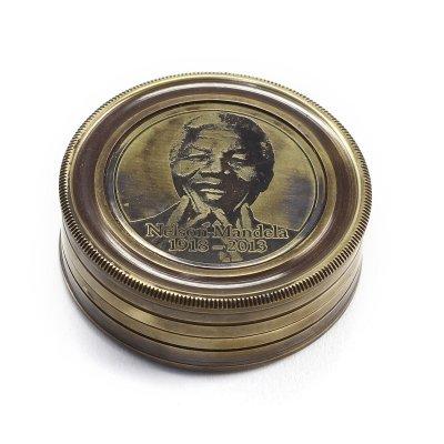 Busola bronz 'Nelson Mandela'