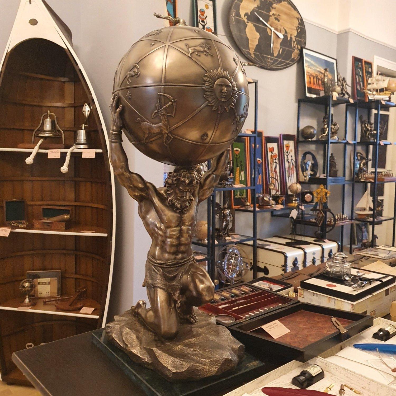 statueta-atlas